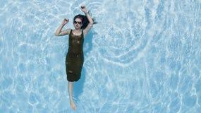 Brunetka bikini model Zdjęcia Stock