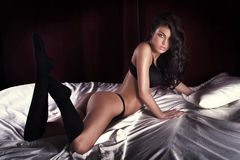 brunetka target1880_0_ seksownej kobiety Fotografia Royalty Free