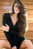 brunetki drzwi model zdjęcie royalty free