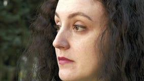 Brunetki dziewczyny długie włosy portret outdoors z herbatą zbiory