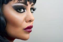 Brunetki kobiety zakończenia portret, Makeup zdjęcia stock
