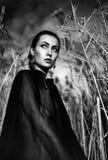 Brunetki mody wyrażeniowa dramatyczna aktorka Fotografia Stock