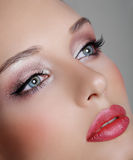 brunetki zbliżenia dziewczyny portret dosyć Fotografia Stock