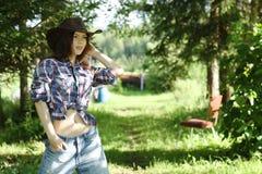 brunett i lantlig stil Royaltyfria Bilder