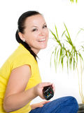 brunette που χαμογελά την προσέχ& Στοκ Εικόνα