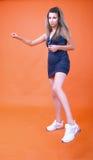 πίσω ταλάντευση brunette Στοκ φωτογραφίες με δικαίωμα ελεύθερης χρήσης