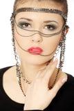 Brunette adolescente hermoso con jewelery Foto de archivo libre de regalías