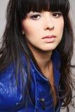 Brunette atractivo joven. fotos de archivo