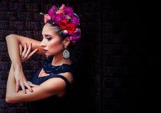 Brunette atrativo novo Imagens de Stock Royalty Free