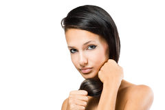 Brunette avec le cheveu sain intense. photos stock