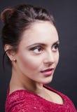 Brunette bonito do retrato fotografia de stock
