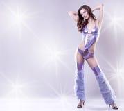 Brunette in clubwear Royalty-vrije Stock Afbeeldingen