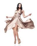 Brunette dans la robe de ondulation Photo libre de droits