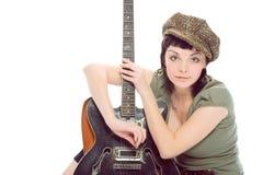 Brunette de beauté avec la guitare Images stock