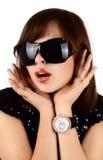 Brunette in den Sonnegläsern Lizenzfreie Stockfotos