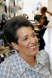 Brunette féminin hispanique entre deux âges Photos libres de droits