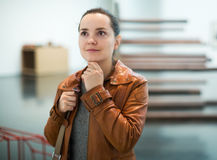 Brunette girl in art museum Royalty Free Stock Photography