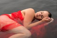 brunette humide Photographie stock libre de droits