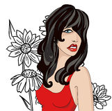 Brunette im Rot auf einem Hintergrund von schwarzen Blumen Lizenzfreies Stockbild