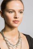 Brunette-junge Frau mit Hazel Eyes Lizenzfreies Stockbild