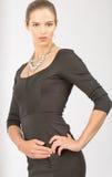 Brunette-junge Frau mit Hazel Eyes Posing Stockbilder