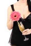 Brunette mit einem Champagnerglas. stockfotos