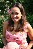 Brunette sonriente Foto de archivo libre de regalías