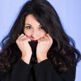 Brunette verstecken ihr Gesicht Stockfotografie