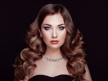 Free Brunette Woman With Long Shiny Wavy Hair Royalty Free Stock Photo - 105561925