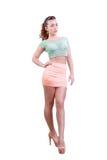 Brunettefrau mit natürlichen Kurven. Stockfotografie