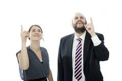 Brunettefrau und BartGeschäftsmann zeigen sich lizenzfreies stockbild