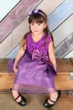 Brunettlitet barn Arkivfoto