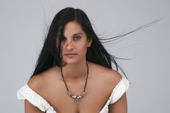 brunettstående Fotografering för Bildbyråer