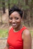 Brunn klädd afrikansk amerikankvinna royaltyfri fotografi