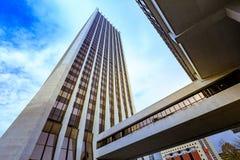 Brunnar Fargo Center i i stadens centrum Portland Royaltyfria Foton