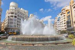Brunnen auf einer der zentralen Straßen von Valencia Stockfotos