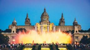 Nachtansicht Des Magischen Brunnens In Barcelona Stockfoto
