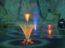 Brunnen in der Leuchte lizenzfreies stockbild