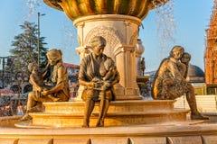 Brunnen der Mütter in Skopje lizenzfreie stockfotografie