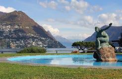 Brunnen der Montierung Brè und Lugano Stockbilder