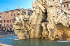 Brunnen der vier Flüsse auf dem Marktplatz Navona, Rom Stockfoto