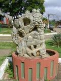 Brunnen geschnitzt im Stein stockbild