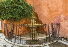 Brunnen im Odl-Stadtzentrum von Seivlla Stockfoto