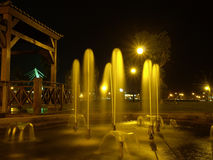 Brunnen im Park stockbild