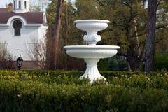 Brunnen im Park Stockbilder