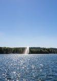 Brunnen im Wasser Lizenzfreie Stockfotografie