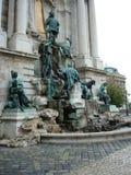 Brunnen mit Skulptur Lizenzfreies Stockfoto