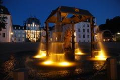 Brunnen morgens Schloss Stockbild