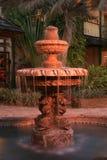 Brunnen nachts Stockbilder