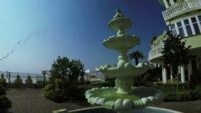 Brunnen nahe Villa stock video footage